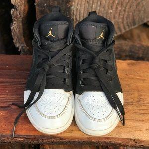 Boys Jordan 1 Shoes